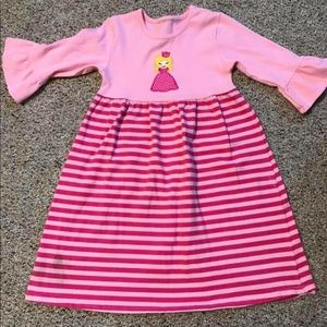 Smocked Auctions